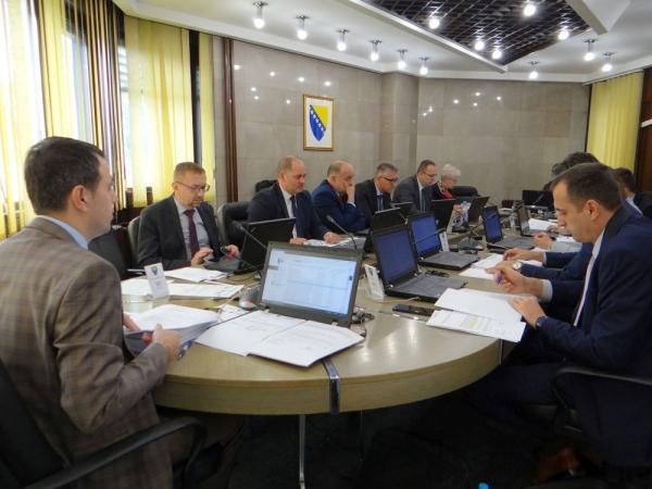 Vlada Zeničko-dobojskog kantona osigurala dodatni prevoz za učenike u Zavidovićima