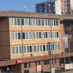 Umjesto da brine za zdravlje građana i privredu, načelnik Mujanović se slika i kiti tuđim perjem